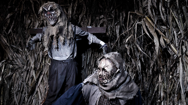 Monsters in Scarowinds' haunted maze