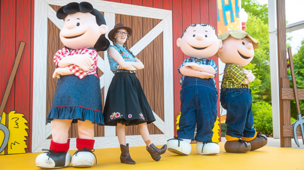 PEANUTS characters at Carowinds' Family Event