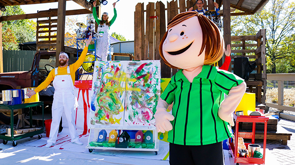 PEANUTS characters at Carowinds' Peanuts Celebration