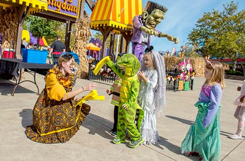 Trick-or-Treat With The PEANUTS™ at Cedar Point's Halloween Event