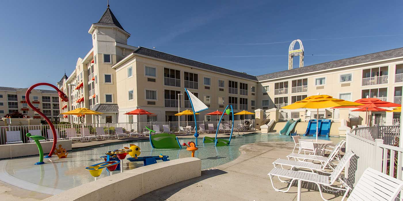 Hotel Breakers at Cedar Point