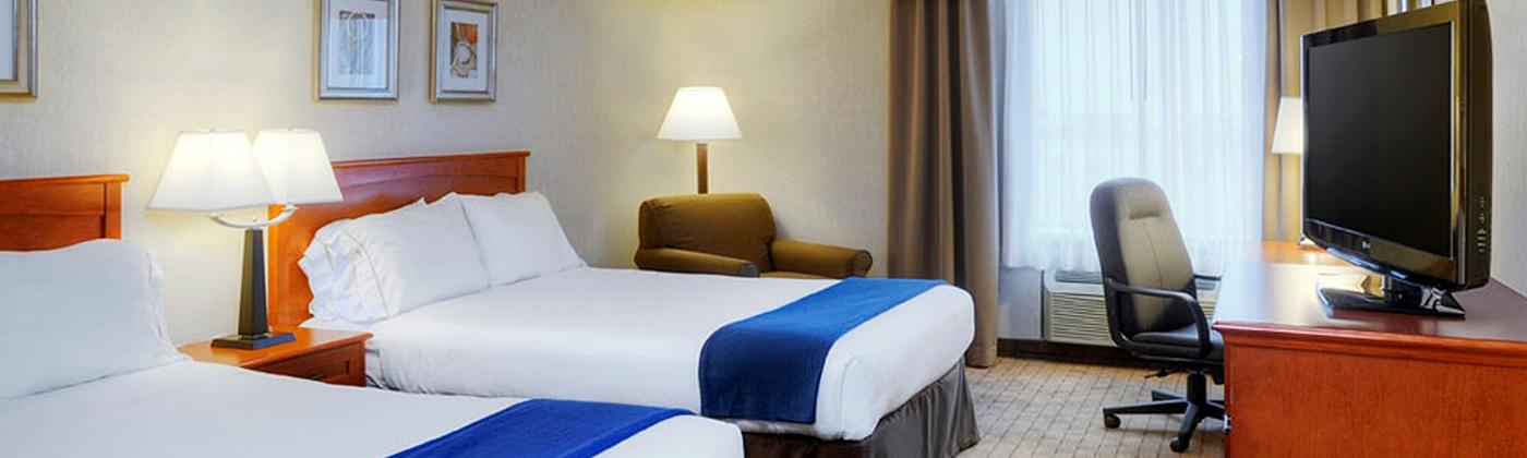 featured hotels canada 39 s wonderland. Black Bedroom Furniture Sets. Home Design Ideas