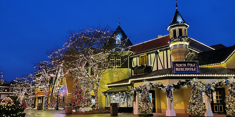 Canada's Wonderland's shops are full of things to do for Christmas!
