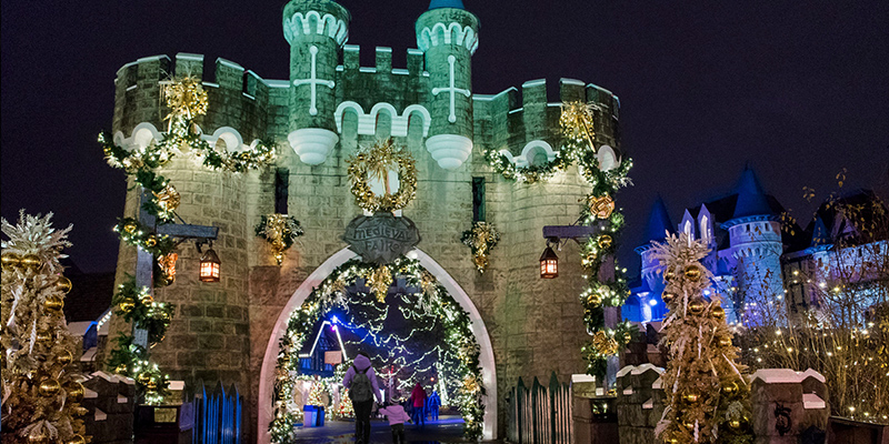 Canada's Wonderland decorated for WinterFest