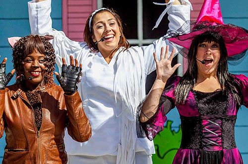 Mother Goose and Friends at Dorney Park's Halloween Event