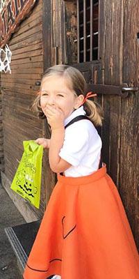 Diy Knott S Spooky Farm Poodle Skirts Knott S Berry Farm