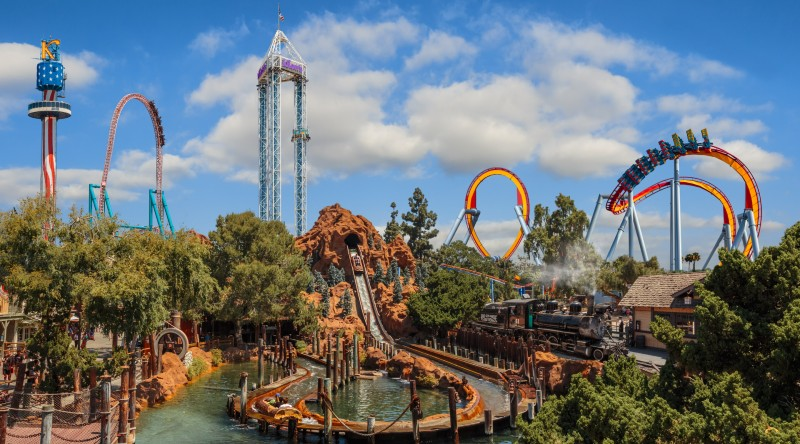 Knott's Berry Farm Virtual Backgrounds for Zoom