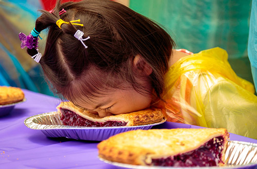 Knott's Boysenberry Festival - Pie Eating