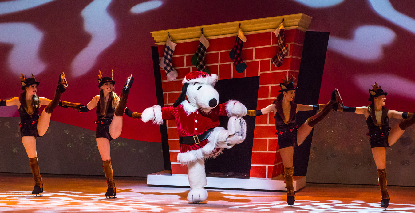 snoopy ice show merry christmas snoopy - Snoopy Merry Christmas Images