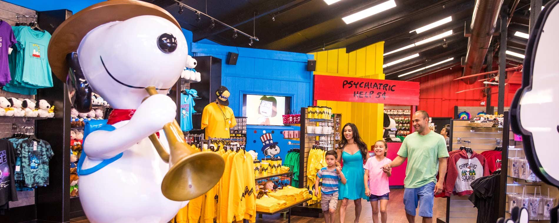 Peanuts Gift Shop California Marketplace Knott S Berry Farm