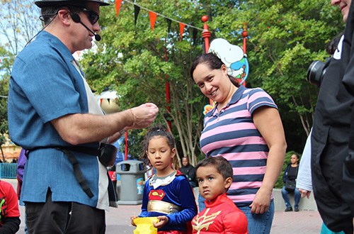 Magic with Jonathan Austin at Kings Dominion's Halloween Event