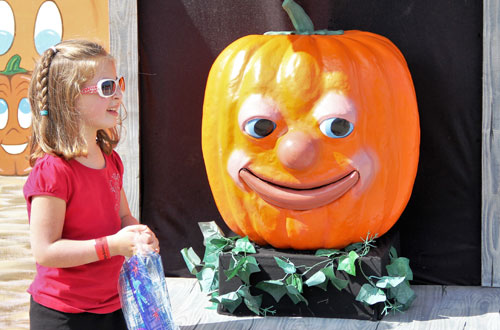 The Great Talking Pumpkin at Kings Island's Halloween Event