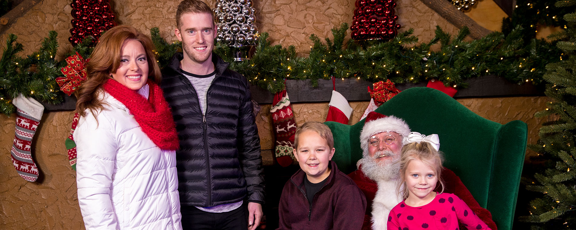 St. Nick's Pics at Kings Island's Holiday Event