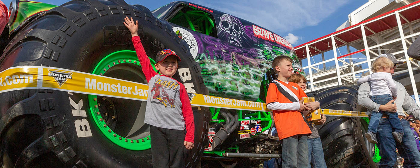 Valleyfair Revs Up The Fun With New Monster Jam Experience Valleyfair